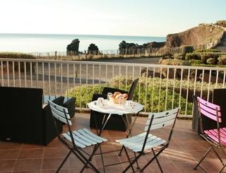 Hôtel la Grande Conque*** au Cap d'Agde - Petit déjeuner en terrasse 2019-Hôtel La Grande Conque-OT Cap d'Agde Méditerranée