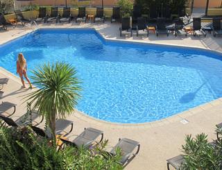 Hôtel Eve-Piscine Hôtel Eve-Office de Tourisme Cap d'Agde Méditerranée