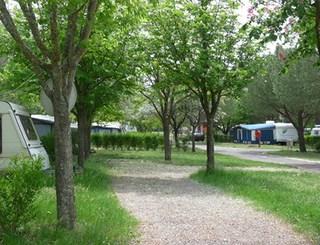 Allées_Camping_Municipal_Clermont © OT Clermontais
