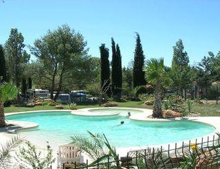 Camping le botanic fabregues for Cash piscine herault