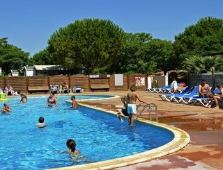 Camping montrose tourbes for Cash piscines beziers