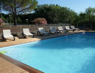Camping Les Terrasses St Chinian - Piscine 1 Camping Les Terrasses St Chinian