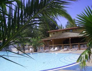 Camping blue bayou vendres for Blue piscine hannut