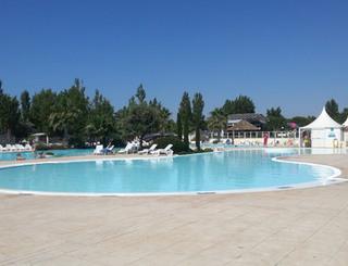 Camping la carabasse vias for Cash piscine carcassonne