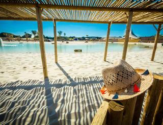 Lagon : 10 000 m2 d'eau turquoise, de sable fin et de palmiers Sunêlia Domaine de la Dragonnière