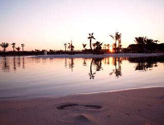 Coucher de soleil sur le lagon Sunêlia Domaine de la Dragonnière
