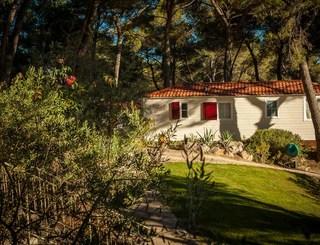 Camping résidentiel La pinède-Castelnau de Guers_13 Sud de France Développement