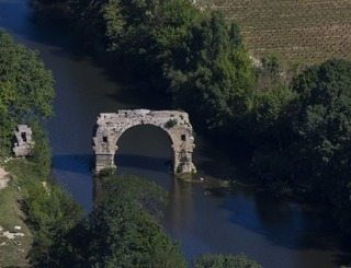 500 x 300 Le pont Ambroix ©Goproduction