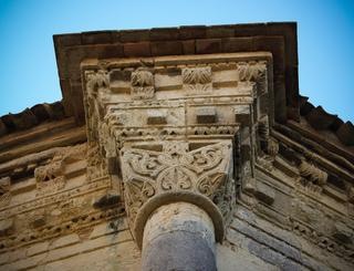 chapiteau wisigothique-eglise St Jacques-Karine Gregoire Karine Grégoire