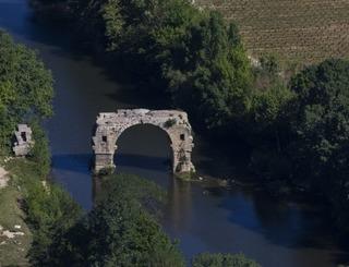 500 x 300 Le pont Ambroix ©Goproduction