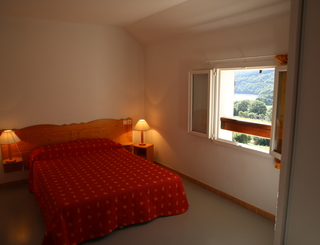 Chambre double étage gîte Raviege ADS Vacances