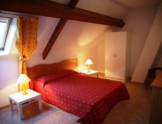 Chambre double gîte Forêt du Somail ADS Vacances