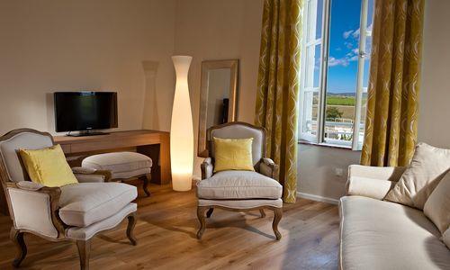 Hotel chateau de siran siran for Chambre 13 hotel