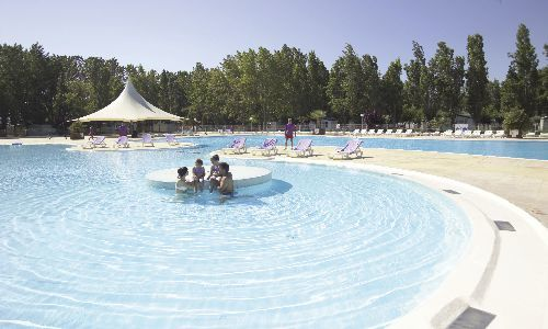 Camping la carabasse vias for Camping carcassonne avec piscine