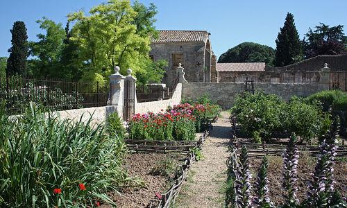 Jardin medieval de saint jean des anneaux beziers for Jardin medieval