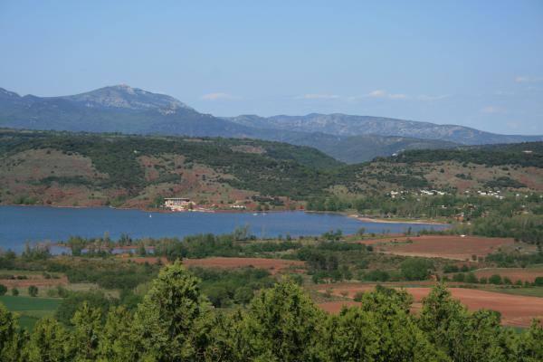Le lac du Salagou Gîtes de France