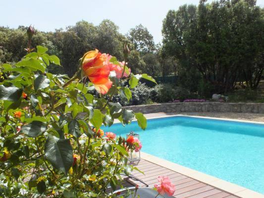 La piscine. Gîtes de France