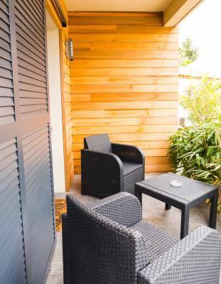 Terrasse privative pour chaque chambre. Gîtes de France
