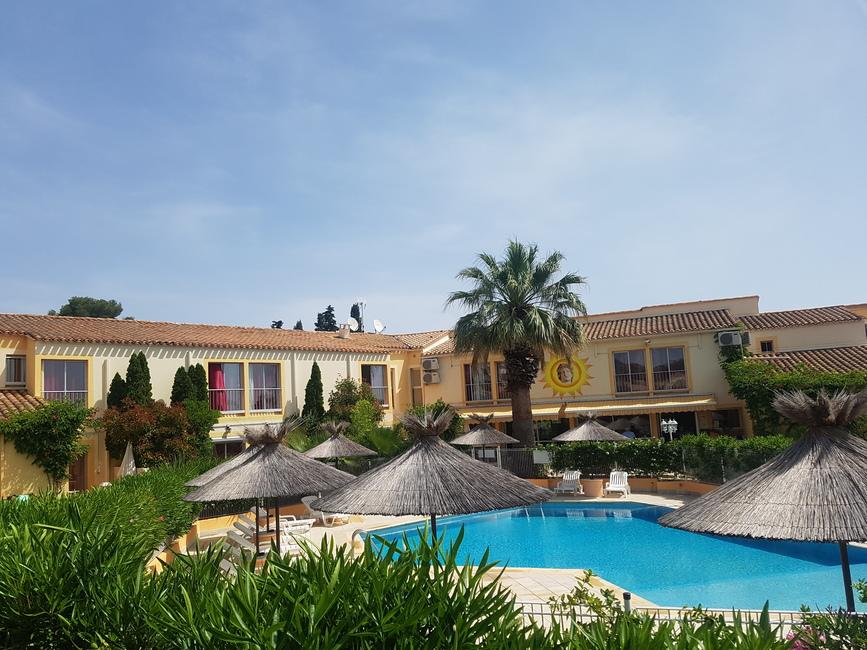 Hôtel Hélios 3* au Cap d'Agde - La Piscine 2019-Hôtel Hélios-OT Cap d'Agde Méditerranée