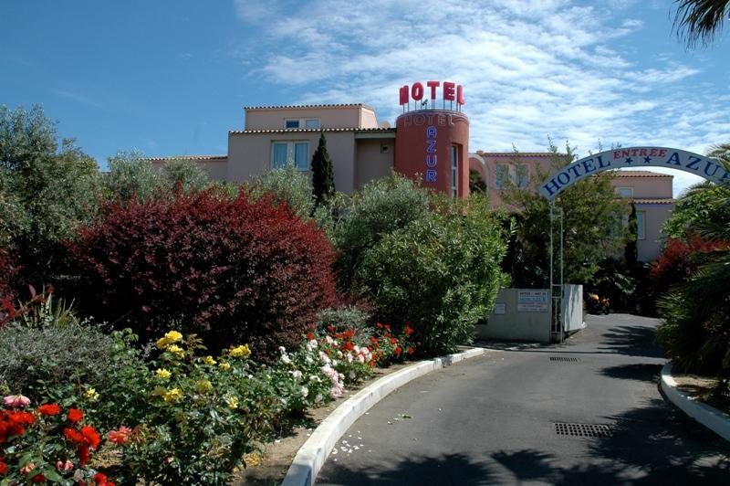 Hôtel Azur-Extérieur, jardin et entrée de l'hôtel Hôtel Azur-Office de Tourisme Cap d'Agde Méditerranée