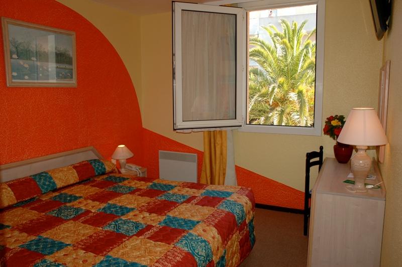 Hôtel Azur-Chambre double Hôtel Azur-Office de Tourisme Cap d'Agde Méditerranée