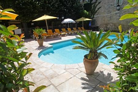 residence - piscine 1 © logis Hérault - Bruno Garcia
