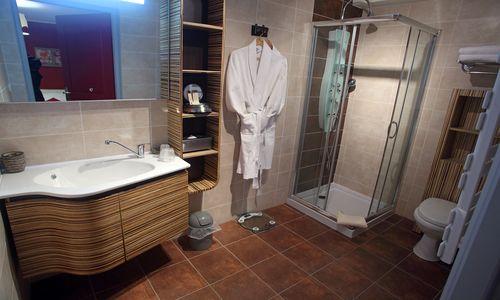 hotel residence salle de bain logis herault - bruno garcia