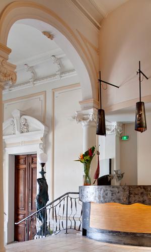 le-grand-hotel-sete-reception-escalier-1297-2 ©Olivier Maynard