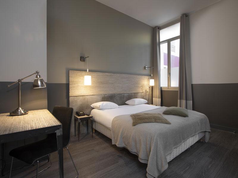 WEB-chambre-sup-Hotel-PAris Loriane LOISEAU - Hôtel de Paris Sète