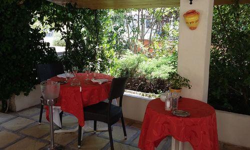 logis herault - vieux chene - terrasse 1 logis herault