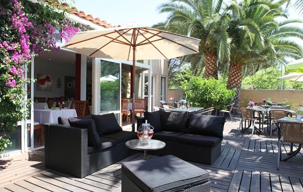 Hôtel Gil de France, hôtel 3* au Cap d'Agde - Patio terrasse © GIL DE FRANCE