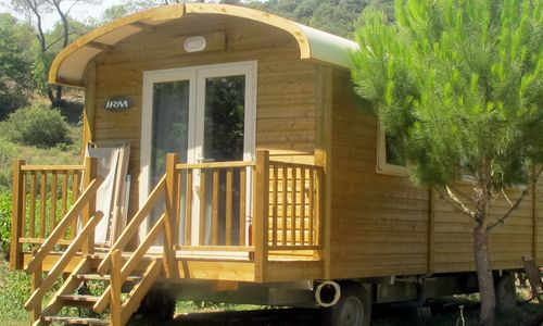 camping-anglas-location-roulotte Camping Domaine d'Anglas