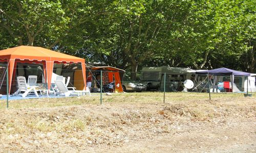 Camping Municipal de l'Orb Emplacements 2 Camping Municipal de l'Orb