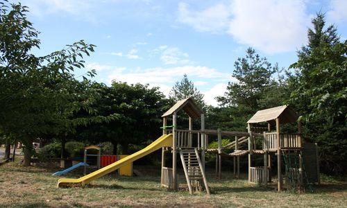 HPALAR0340000666 - Camping les Vals_jeux_enfants © camping_les_vals