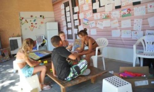 Camping Mas de l'Isle - Club.enfants Mas de l'Isle
