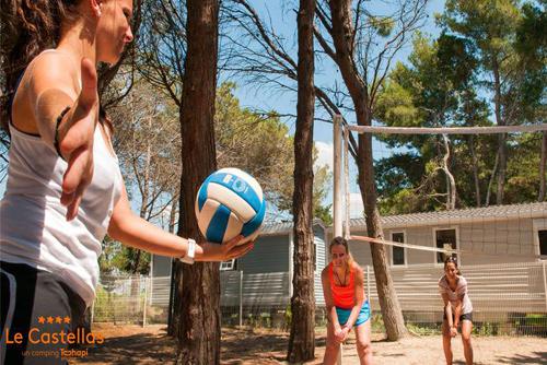 Le castellas campsite sete for Cash piscine herault