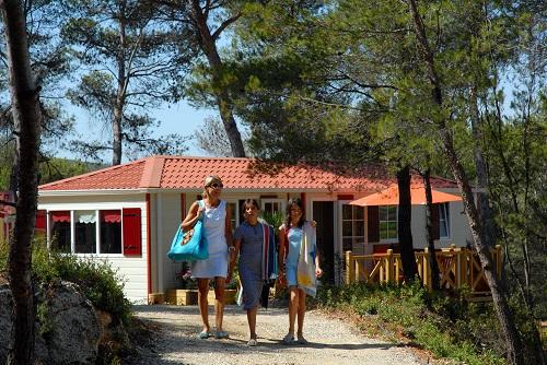Camping résidentiel la Pinède 11 Camping la Pinède Castelnau de Guers