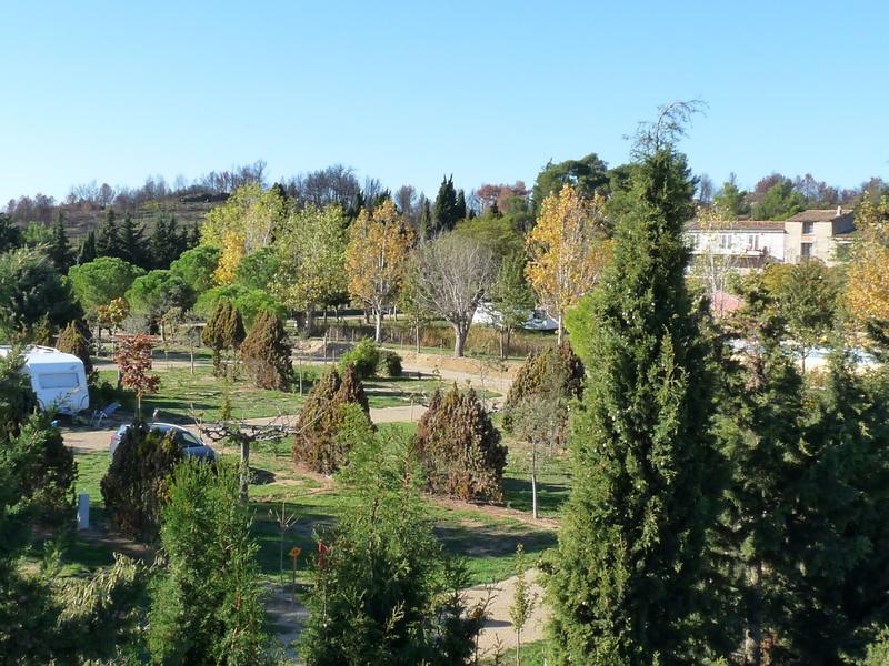 camping-domaine-le-vernis-emplacements-herault-minerve-canal-du-midi le page mireille