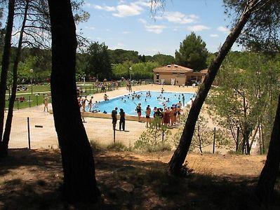 Bessilles county outdoor activity complex montagnac for Cash piscine herault
